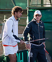 06-07-11, Tennis, South-Afrika, Potchefstroom, Daviscup South-Afrika vs Netherlands, Training Nederlands team, Robin Haase in overleg met technisch directeur van de KNLTB Rohan Goetske
