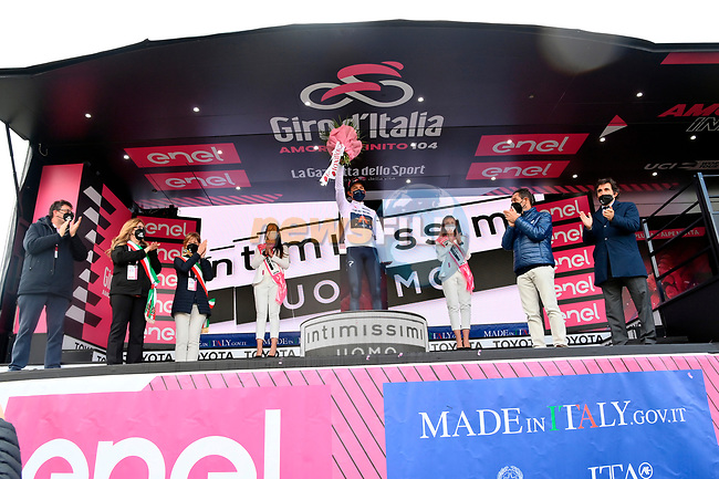 Race leader Egan Bernal (COL) Ineos Grenadiers also retains the mountains Maglia Bianca at the end of Stage 20 of the 2021 Giro d'Italia, running 164km from Verbania to Valle Spluga-Alpe Motta, Italy. 29th May 2021.  <br /> Picture: LaPresse/Gian Mattia D'Alberto   Cyclefile<br /> <br /> All photos usage must carry mandatory copyright credit (© Cyclefile   LaPresse/Gian Mattia D'Alberto)