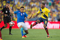 action photo during the match Brasil vs Ecuador, at Rose Bowl Stadium Copa America Centenario 2016. ---Foto  de accion durante el partido Brasil vs Ecuador, En el Estadio Rose Bowl, Partido Correspondiante al Grupo -B-  de la Copa America Centenario USA 2016, en la foto: (I)-(D) Casemiro, Carlos Gruezo<br /> <br /> --- 04/06/2016/MEXSPORT/ Osvaldo Aguilar