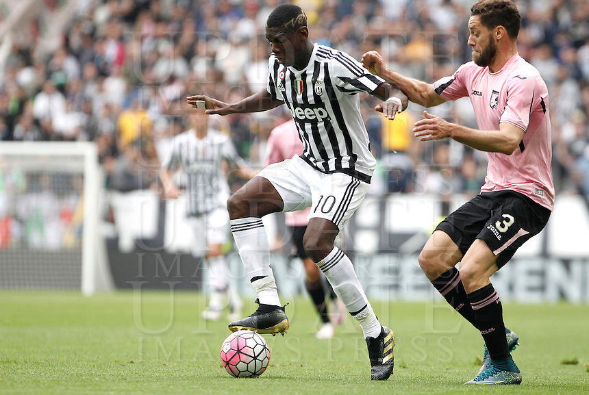 Calcio, Serie A: Juventus vs Palermo. Torino, Juventus Stadium, 17 aprile 2016.<br /> Juventus' Paul Pogba, left, is challenged by Palermo's Andrea Rispoli during the Italian Serie A football match between Juventus and Palermo at Turin's Juventus Stadium, 17 April 2016.<br /> UPDATE IMAGES PRESS/Isabella Bonotto