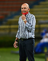MEDELLIN,COLOMBIA,8-10-2020: Javier Álvarez  director técnico del Independiente Medellín  gesticula durante el partido entre Independiente Medellín  y Cúcuta Deportivo por la fecha 12 de la Liga BetPlay DIMAYOR I 2020 jugado en el estadio Atanasio Girardot  de la ciudad de Medellín. / Javier Alvarez coach of Independente Medellin  gestures during match between Independiente Medellin  and Cucuta Deporivo for the date 12 BetPlay DIMAYOR League I 2020 played at Atanasio Grardot  stadium in Medellin city. Photos: VizzorImage / Luis Benavides / Contrbuidor