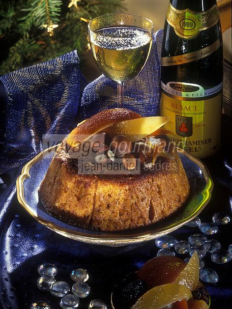 Gastronomie générale/Repas de Réveillon: Charlotte au pain d'épice, glace à la canelle et sabayon au Gewurztraminer, servi avec un Gewurztraminer