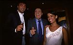 MASSIMO GILETTI CON ALBERTO SORDI<br /> GILDA ON THE BEACH-FREGENE ROMA 1995