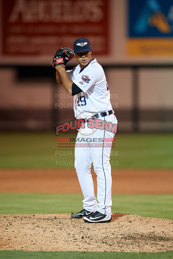 Lakeland Flying Tigers relief pitcher Eduardo Jimenez (29) gets ready to deliver a pitch during the second game of a doubleheader against the Bradenton Marauders on April 11, 2018 at Publix Field at Joker Marchant Stadium in Lakeland, Florida.  Bradenton defeated Lakeland 1-0.  (Mike Janes/Four Seam Images)