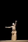 KARA MI..Auteur : AMAGATSU Ushio..Choregraphie : AMAGATSU Ushio..Mise en scene : AMAGATSU Ushio..Compagnie : Sankai Juku..Orchestre : KAKO Takashi YAS KAS YOSHIKAWA Yochiro..Avec :..AMAGATSU Ushio..Lieu : Theatre de la Ville..Ville : Paris..Le : 25 04 2010..© Laurent PAILLIER / photosdedanse.com..All rights reserved