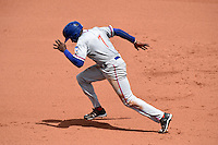 St. Lucie Mets outfielder Champ Stuart (7) runs to second during a game against the Bradenton Marauders on April 12, 2015 at McKechnie Field in Bradenton, Florida.  Bradenton defeated St. Lucie 7-5.  (Mike Janes/Four Seam Images)