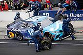 #19: Martin Truex Jr., Joe Gibbs Racing, Toyota Camry AOI