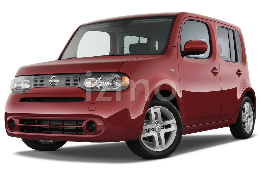 Low aggressive front three quarter view of a 2009 Nissan Cube SL.