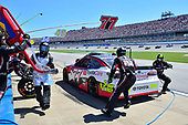 Monster Energy NASCAR Cup Series<br /> GEICO 500<br /> Talladega Superspeedway, Talladega, AL USA<br /> Sunday 7 May 2017<br /> Erik Jones, Furniture Row Racing, ToyotaCare Toyota Camry, makes a pit stop<br /> World Copyright: John K Harrelson<br /> LAT Images<br /> ref: Digital Image 17TAL1jh_04922