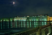 Europe-Asie/Russie/Saint-Petersbourg: Le musée de l'Ermitage dans le Palais d'Hiver sur les bords de la Neva