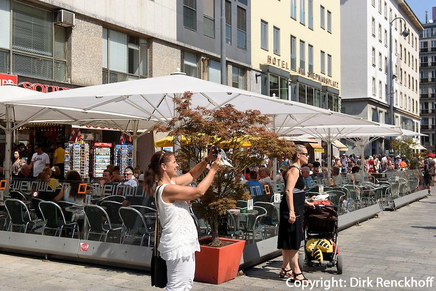 Café am Stephansplatz, Wien, Österreich<br /> Café at Stephansplatz, Vienna, Austria