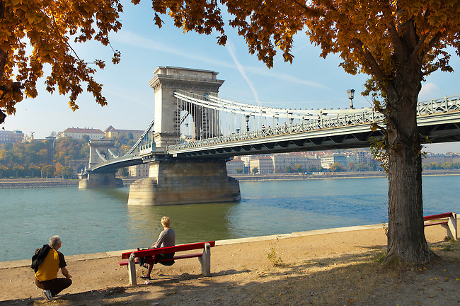 Lánchid . Chain Bridge over the Danube - Budapest - Hungary