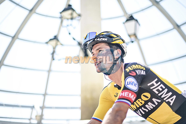 Primoz Roglic (SLO) Jumbo-Visma at sign on before Stage 5 of La Vuelta d'Espana 2021, running 184.4km from Tarancón to Albacete, Spain. 18th August 2021.      <br /> Picture: Charly Lopez/Unipublic | Cyclefile<br /> <br /> All photos usage must carry mandatory copyright credit (© Cyclefile | Unipublic/Charly Lopez)