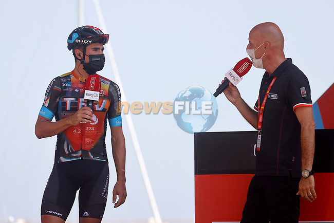Mikel Landa (ESP) Bahrain Victorious at sign on before the start of Stage 7 of La Vuelta d'Espana 2021, running 152km from Gandia to Balcon de Alicante, Spain. 20th August 2021.     <br /> Picture: Luis Angel Gomez/Photogomezsport | Cyclefile<br /> <br /> All photos usage must carry mandatory copyright credit (© Cyclefile | Luis Angel Gomez/Photogomezsport)