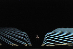 LE DERNIER TESTAMENT DE MELANIE LAURENTD'après Le Dernier Testament de Ben Zion Avrohom de James FreyAdaptation Mélanie Laurent et Charlotte FarcetMise en scène Mélanie LaurentAssistante à la mise en scène Amélie WendlingDramaturgie Charlotte FarcetScénographie Marc Lainé et Stephan ZimmerliCréation Lumières Philippe BerthoméChorégraphie Arthur PeroleMusiques Marc Chouarain en collaboration avec Mélanie LaurentCostumes Béatrice RionMaquillage et coiffure Heidi BaumbergerVidéo Renaud VerceyRéalisation et régie son Maxime ImbertAccessoires Lionel ScreveRégie générale Karl GobynRégie lumière Pauline MouchelArrangement choeur Jérôme BillyTraduction anglaise et régie surtitre Mike SensÉquipe de tournage Alexandre Leglise (Chef opérateur), Raphaël Dougé (Assistant caméra), Antoine Roux (Chef électro), Grégory Loffredo (Cascadeur)Avec : Jocelyn LagarrigueCréation au Théâtre du Gymnase le 20 septembre 2016Compagnie : Cadre : Date : 25/01/2017Lieu : Théâtre de ChaillotVille : Paris© Laurent Paillier / photosdedanse.com