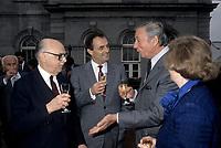 FILE PHOTO -  Le Maire Jean Drapeau, Charles Dutoit de l'OSM et l''acteur Yves Montant sur la terrasse de l,Hotel de Ville de Montreal<br /> le 1er  Octobre 1986<br /> <br /> PHOTO :   Agence quebec Presse<br /> <br /> <br /> <br /> <br /> PHOTO :   Agence quebec Presse