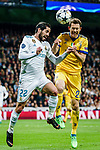 Stephan Lichtsteiner of Juventus (R) fights for the ball with Isco Alarcon of Real Madrid (L) during the UEFA Champions League 2017-18 quarter-finals (2nd leg) match between Real Madrid and Juventus at Estadio Santiago Bernabeu on 11 April 2018 in Madrid, Spain. Photo by Diego Souto / Power Sport Images