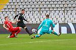 v.li.: Kilian Senkbeil (Bayern München, FCB, 13) Marlon Ritter (Kaiserslautern, 7) scheitert an Ron-Thorben Hoffmann (Bayern München, FCB, 1) beim Spiel in der 3. Liga, FC Bayern München II -1. FC Kaiserslautern.<br /> <br /> Foto © PIX-Sportfotos *** Foto ist honorarpflichtig! *** Auf Anfrage in hoeherer Qualitaet/Aufloesung. Belegexemplar erbeten. Veroeffentlichung ausschliesslich fuer journalistisch-publizistische Zwecke. For editorial use only. DFL regulations prohibit any use of photographs as image sequences and/or quasi-video.