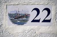 Europe/France/Bretagne/29/Finistère/Ile de Sein: Détail plaque indiquant le numéro de la rue