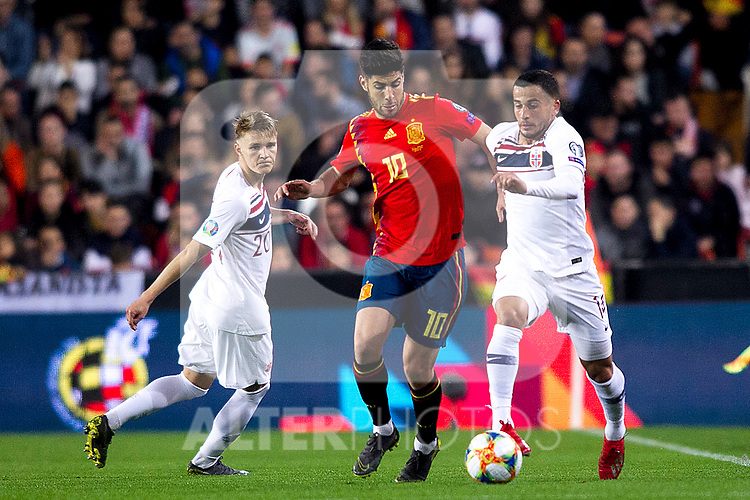 Spain's Marco Asensio,  Norway's Martin Odegaard and   during the qualifying match for Euro 2020 on 23th March, 2019 in Valencia, Spain. (ALTERPHOTOS/Alconada)