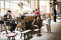 2006- Chine- Marché de long Pi, famille Chinoise.