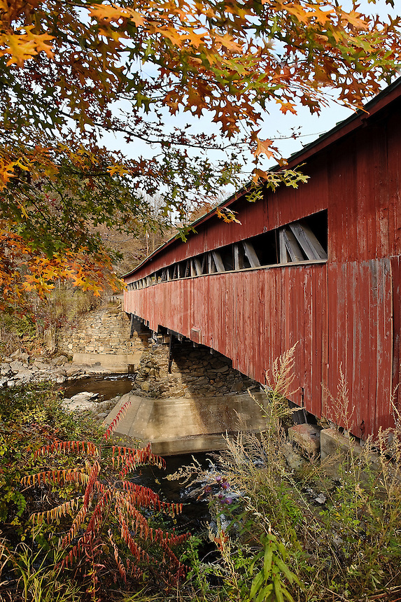 Covered bridge, Taftville, Vermont, USA, VT