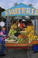 Amérique/Amérique du Sud/Pérou/Arequipa : Marchande de fruits