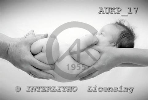 Samantha, BABIES,  photos,+babies,++++Mum and Dad's Hands master 1,AUKP17,#B# bébé
