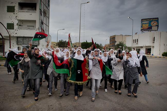 Remi OCHLIK/IP3 -  LIBYAN ARAB JAMAHIRIYA, Misrata : Libyans celebrate following the capture and death of Mouamar Kadhafi the day before in Syrte.   In the city of Misrata on October 22, 2011.