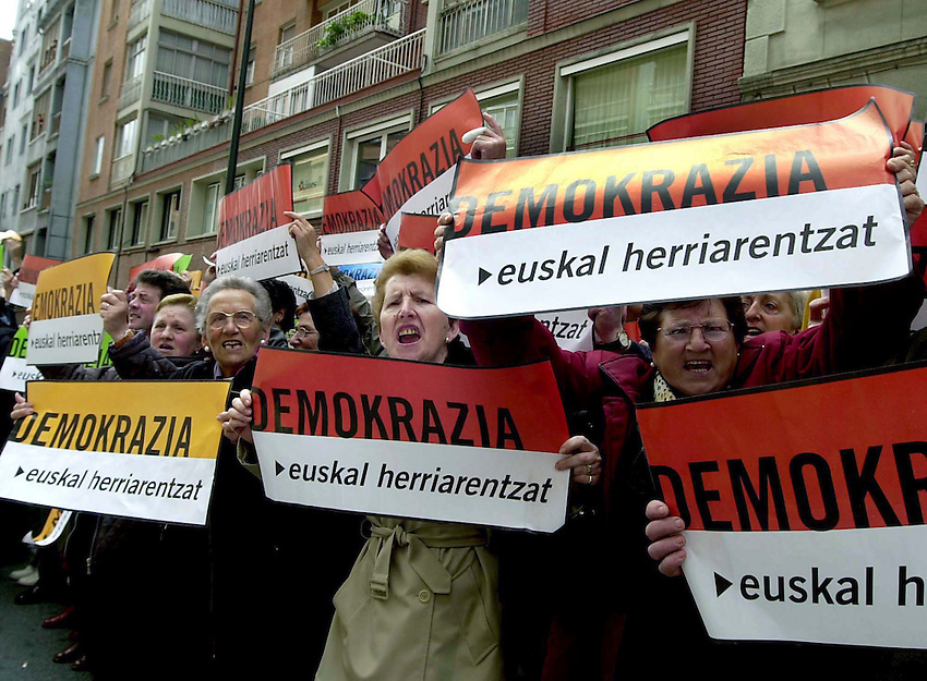 "2002-5-5, Bilbo. .Demonstration of 'Batasuna' with the slogan ""STOP Fascism"" to protest for the outlawing of Batasuna. Plackards reads in basque ""Democrazy for the Basque Country""..Argazkia/Photo. Ander Gillenea"