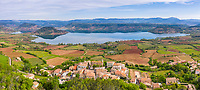 France, Herault, Lac du Salagou, Liausson (aerial view) // France, Hérault (34), lac du Salagou, Liausson (vue aérienne)