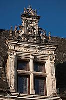 Europe/Europe/France/Midi-Pyrénées/46/Lot/env se Saint-Céré/Saint-Jean-Lespinasse: Le château de Montal de style Renaissance , détail des fenêtres à meneaux
