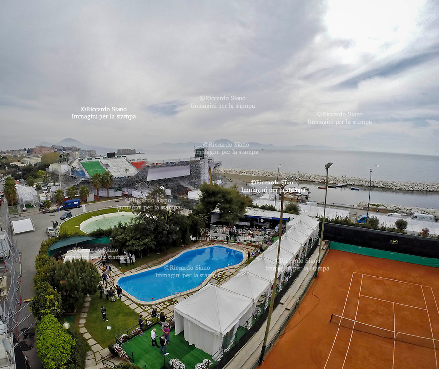 - NAPOLI 3 APR  2014 -  Coppa Davis 2014: Italia - Gran Bretagna.  Il villaggio e l'arena del tennis