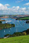 Great Britain, England, Devon, East Portlemouth near Salcombe: View along Kingsbridge Estuary, popular with sailors and holiday makers | Grossbritannien, England, Devon, East Portlemouth bei Salcombe: der Kingsbridge Estuary, beliebtes Segelrevier