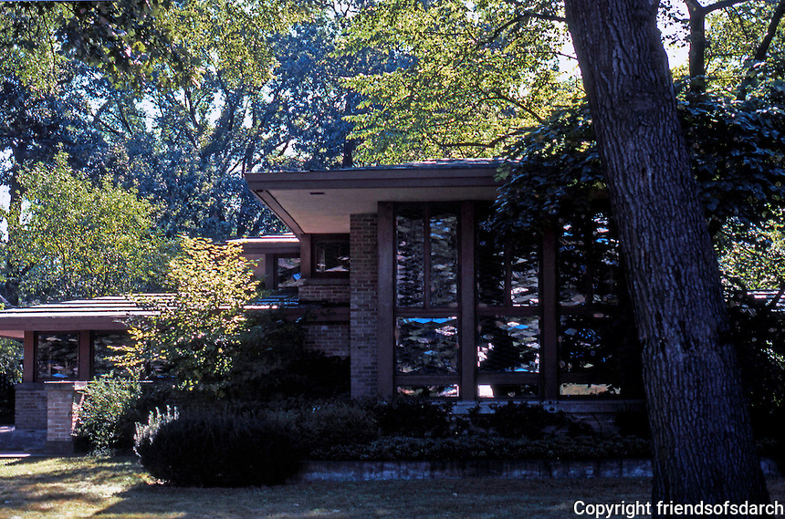 F.L. Wright: Isabel Roberts House, River Forest, 1908.  Photo '76.