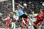 27TH OCT 2004 , CELTIC V ABERDEEN, SPL MATCH AT CELTIC PARK, GLASGOW, BOBO BALDE GETS INJURED BY POST AS DAVID PREECE LOOKS ON, ROB CASEY PHOTOGRAPHY.