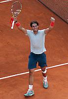 Lo spagnolo Rafael Nadal esulta durante gli Internazionali d'Italia di tennis a Roma, 18 Maggio 2013..Spain's Rafael Nadal celebrates during the Italian Open Tennis tournament ATP Master 1000 in Rome, 18 May 2013.UPDATE IMAGES PRESS/Riccardo De Luca