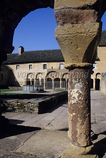 Europe/France/Auvergne/12/Aveyron/Conques : Le cloître