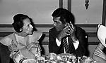 DIANA VREELAND CON VALENTINO GARAVANI<br /> SERATA HARPER BAZAR AL GRAND HOTEL ROMA 1980