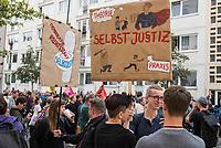 """Bei einer Mahnwache mit Kundgebung unter dem Motto """"Sachsen! Stop den Mob!"""" am Freitag den 31. August 2018 vor der Saechsischen Landesvertretung in Berlin-Mitte protestierten mehrere hundert Menschen gegen die rechtsextremen Ausschreitungen in Chemnitz und die Untaetigkeit der saechsischen Landesregierung.<br /> Die Teilnehmer gedachten der Opfer von Gewalt in Sachsen. Die Vorgaenge in Chemnitz und zuvor in Hoyerswerda, Freital, Heidenau, Bautzen oder Dresden ist fuer sie ein fortgesetztes eklatantes Staatsversagen. Sie forderten die Landesregierung auf, """"endlich mit aller Haerte den Rechtsstaat in Sachsen wiederherzustellen, alle Menschen aller Hautfarben, Religionen, geschlechtlichen Identitaeten und sexuellen Orientierungen und ihre Institutionen in Sachsen gegen Gewalt zu schuetzen und gegen Rechtsradikalismus, Rassismus und Fremdenhass mit aller Entschiedenheit vorzugehen"""".<br /> Im Bild: Kundgebungsteilnehmer mit Plakaten gegen die Selbstjustiz in Sachsen.<br /> 31.8.2018, Berlin<br /> Copyright: Christian-Ditsch.de<br /> [Inhaltsveraendernde Manipulation des Fotos nur nach ausdruecklicher Genehmigung des Fotografen. Vereinbarungen ueber Abtretung von Persoenlichkeitsrechten/Model Release der abgebildeten Person/Personen liegen nicht vor. NO MODEL RELEASE! Nur fuer Redaktionelle Zwecke. Don't publish without copyright Christian-Ditsch.de, Veroeffentlichung nur mit Fotografennennung, sowie gegen Honorar, MwSt. und Beleg. Konto: I N G - D i B a, IBAN DE58500105175400192269, BIC INGDDEFFXXX, Kontakt: post@christian-ditsch.de<br /> Bei der Bearbeitung der Dateiinformationen darf die Urheberkennzeichnung in den EXIF- und  IPTC-Daten nicht entfernt werden, diese sind in digitalen Medien nach §95c UrhG rechtlich geschuetzt. Der Urhebervermerk wird gemaess §13 UrhG verlangt.]"""