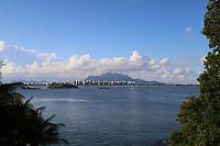 VITÓRIA, ES, 29.12.2019 - PRAIA-ES - Praia de Camburi, vista da Ilha do Frade, em Vitória - ES, neste domingo, 29. (Foto Charles Sholl/Brazil Photo Press)