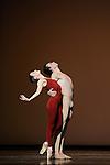 TROISIEME SYMPHONIE DE GUSTAV MAHLER..Choregraphie : NEUMEIER John..Decor : NEUMEIER John..Lumiere : NEUMEIER John..Avec :..LE RICHE Nicolas..OSTA Clairemarie..Lieu : Opera Bastille..Ville : Paris..Le : 11 03 2009..© Laurent PAILLIER / photosdedanse.com