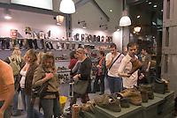 Spanien, Modegeschäaft auf der Calle Fuencarral in Madrid