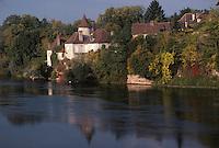 Europe/France/Midi-Pyrénées/46/Lot/Vallée de la Dordogne/Meyronne: Le village et la Dordogne