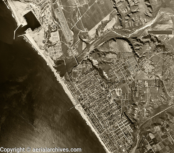 historical aerial photograph Oceanside, California, 1946