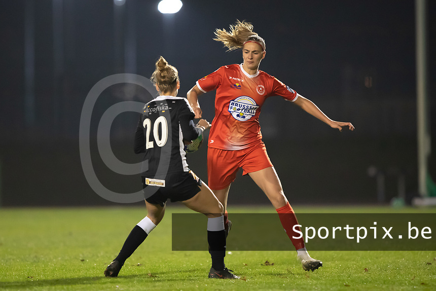 Marie Bougard (10) of Femina White Star Woluwe pictured during a female soccer game between FC Femina White Star Woluwe and Eendracht Aalst on the sixth matchday in the 2021 - 2022 season of Belgian Scooore Womens Super League , friday 8 th of october 2021  in Woluwe , Belgium . PHOTO SPORTPIX | KRISTOF DE MOOR