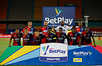 MEDELLIN - COLOMBIA,25-10-2020: Jugadores del Independiente Medellín posan para una foto previo al encuentro por la fecha 16 de la Liga BetPlay DIMAYOR I 2020 entre Independiente Medellín  y Deportivo Cali jugado en el estadio Atanasio Girardot de la ciudad de Medellin. / Players of Independiente Medellin  pose to a photo prior the match for the date 16 of the BetPlay DIMAYOR League I 2020 between Independiente Medellin  and Deportivo Cali played at the Atanasio Girardot stadium of Medellin city. Photos: VizzorImage / Donaldo Zuluaga / Contrbuidor