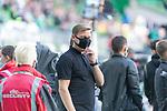 19.09.2020, wohninvest Weserstadion, Bremen, GER,  SV Werder Bremen vs Hertha BSC Berlin, <br /> <br /> <br />  im Bild<br /> <br /> Florian Kohfeldt (Trainer SV Werder Bremen)<br /> mit CORONA Gesichtsmaske<br /> <br /> Foto © nordphoto / Kokenge<br /> <br /> DFL regulations prohibit any use of photographs as image sequences and/or quasi-video.
