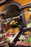 Europe/Italie/Emilie-Romagne/Bologne : Marchand de primeur dans la case Nascentori