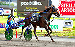 August 8, 2020: Ramona Hill #5, with Aussie Andrew McCarthy in the sulkie, won the 95th Hambletonian as the people's betting choice for the connections of Tony Alagana and Crawford Farms at the Meadowlands in East Rutherford, New Jersey. Dan Heary/Eclipse Sportswire/CSM